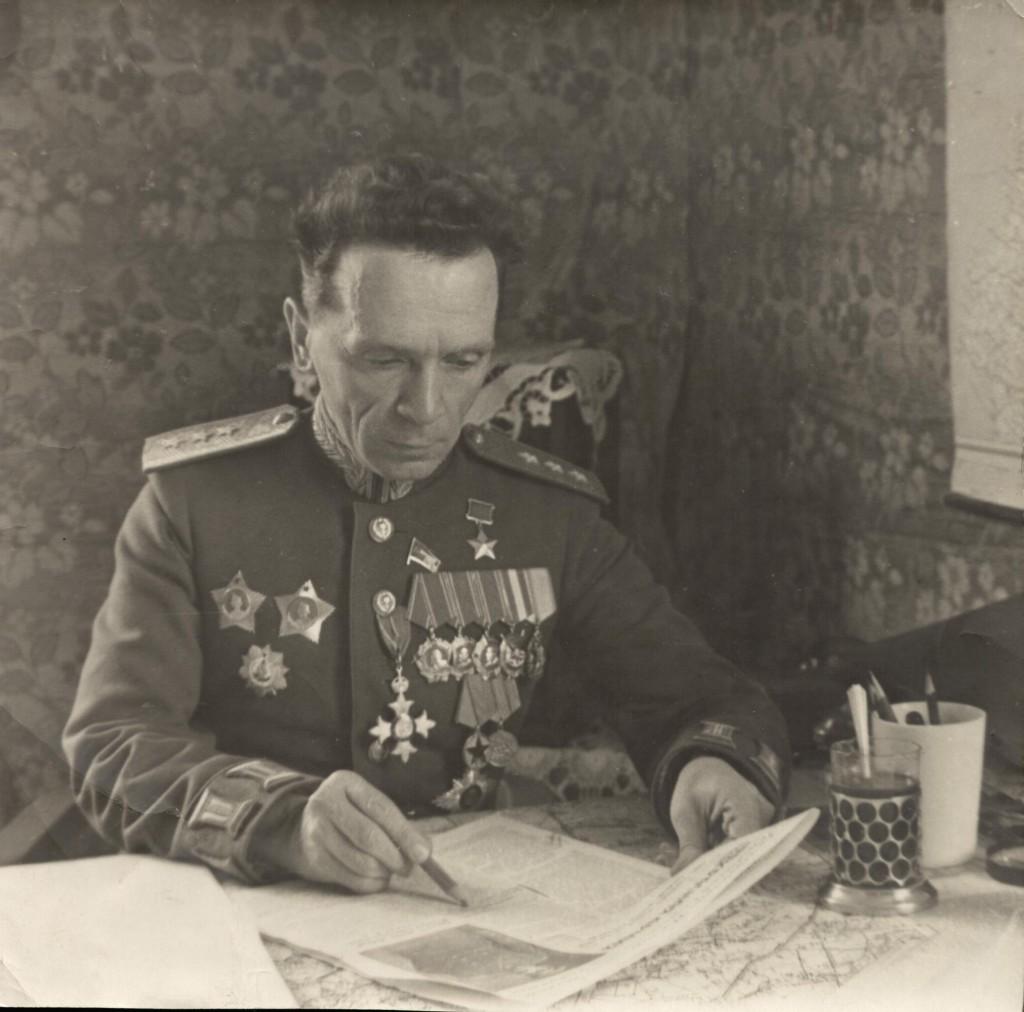 генерал–лейтенант П.И.Батов