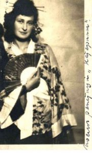 О.А. Бредиус-Субботина в театральном костюме