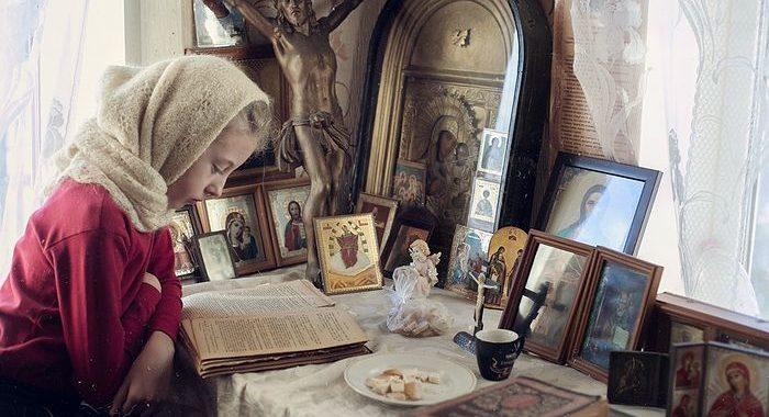 ДОМАШНЕЕ БОГОСЛУЖЕНИЕ ВОСКРЕСНОГО ДНЯ. Материнские заметки