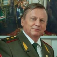 Игорь Ушаков: «Семейные предания записаны в воспоминаниях отца»